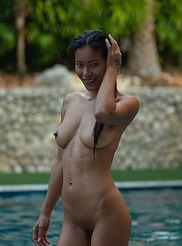 Maki nackt Katana Asian Hottie