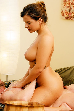 Keisha Grey Booty On A Hard Cock